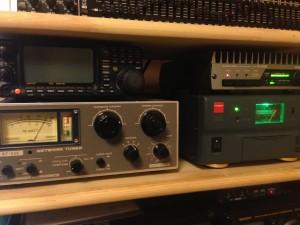 ノーマル仕様のHL-150BをFTDX3000から15wで押しているところ