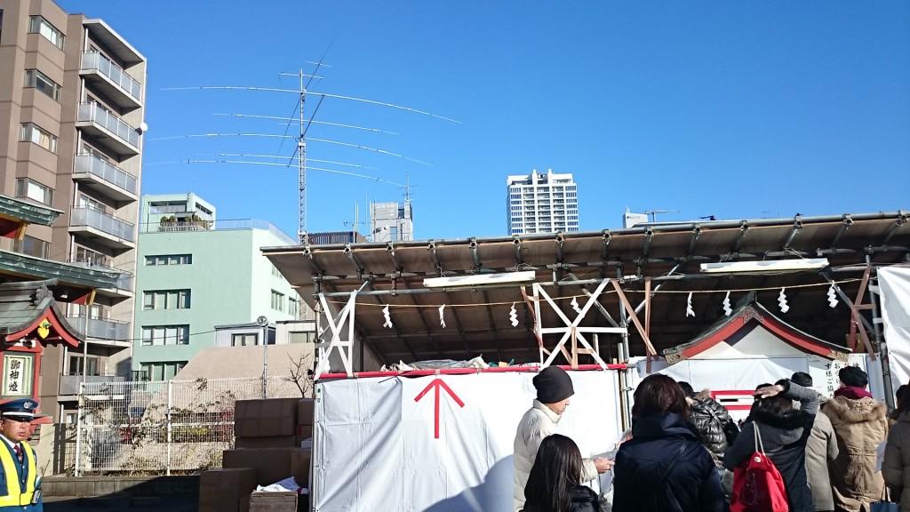 神田明神横のクランク・アップタワー
