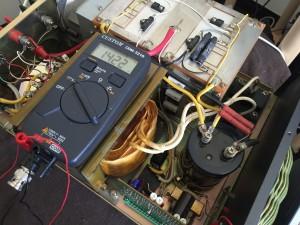 間接リレーのSWが逝かれているだけ? 規定の電圧は出ています。