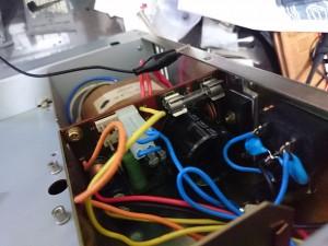 整流回路の内部ヒューズ 溶断確認済