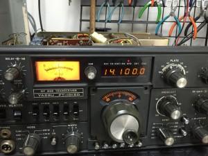 周波数カウンター、Sメーターともに正常