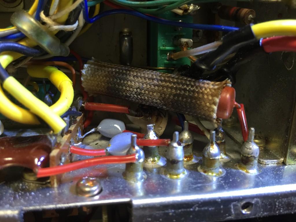 耐熱シールドが焼け焦げたR40とL11
