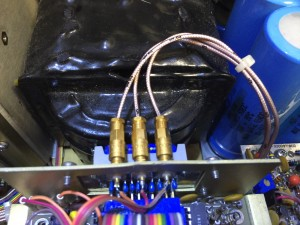 高級同軸ケーブルと金メッキ端子