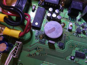 No.4のジャンパ(0Ωチップ抵抗)を除去